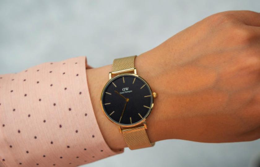 daniel wellington classic petite guld ur