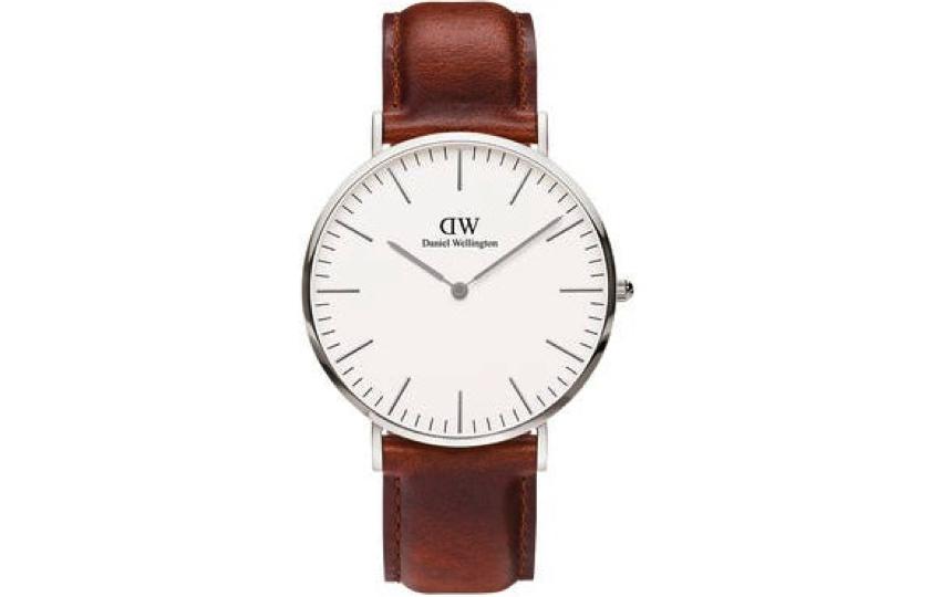 ur med brun laederrem