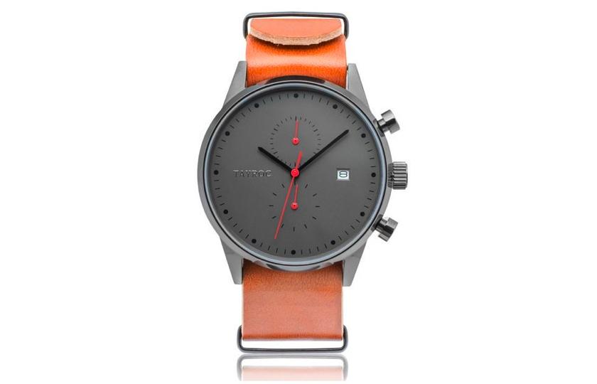ur med brun laeder